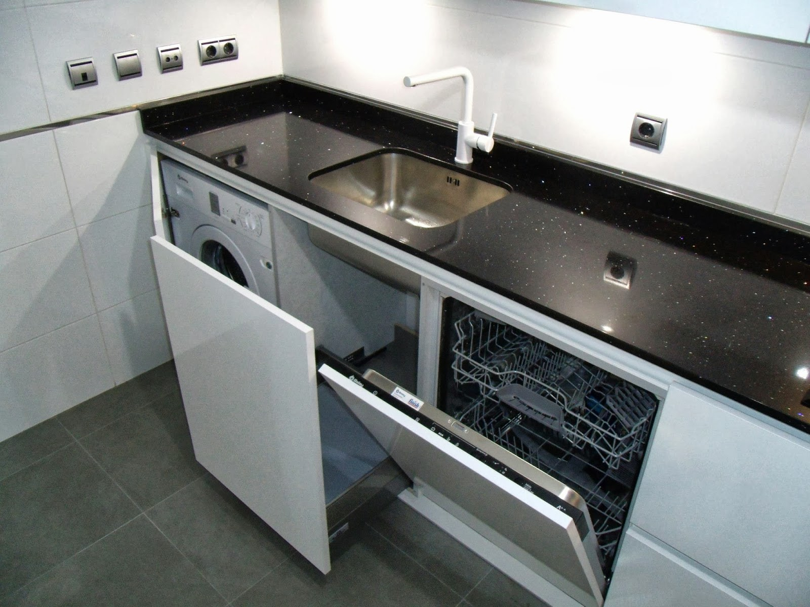 Black or white cocinas cjr - Cocinas suarco ...