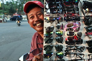 cara memilih kacamata sehat