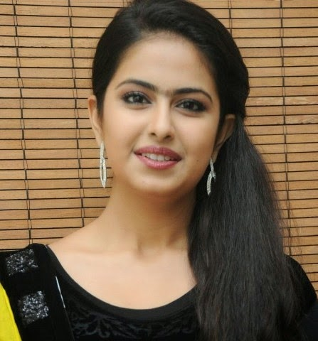 Avika Gor cute smile photos, Avika Gor pics, Avika Gor hot wallpaper, Avika Gor hot pics download