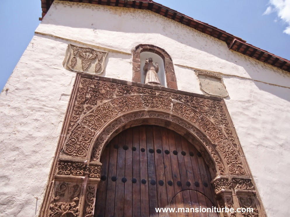 The Huatapera in Uruapan, enjoy the colonial achitecture