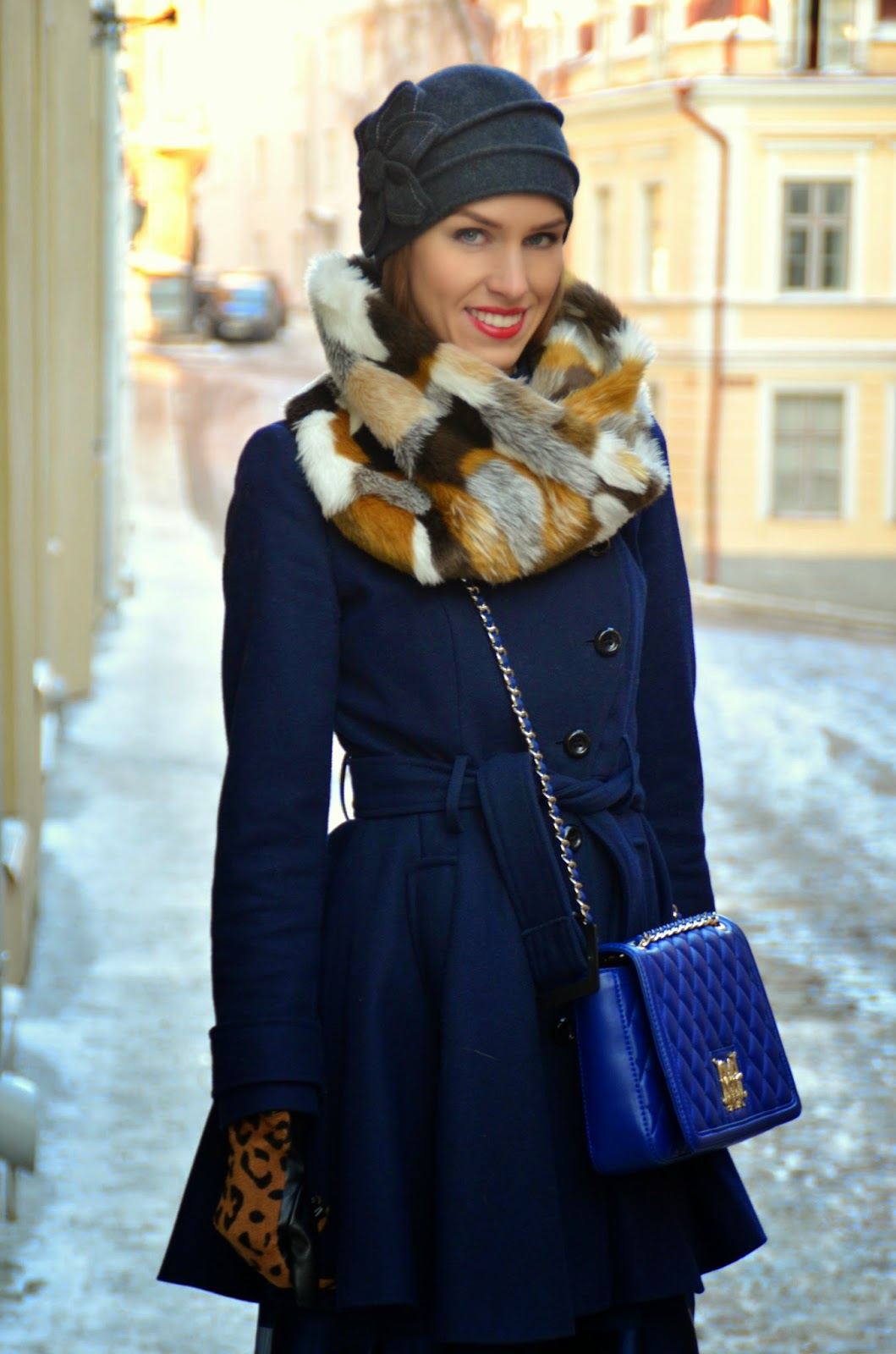 gina-tricot-fur-snood-asos-wool-coat-moschino-blue-bag