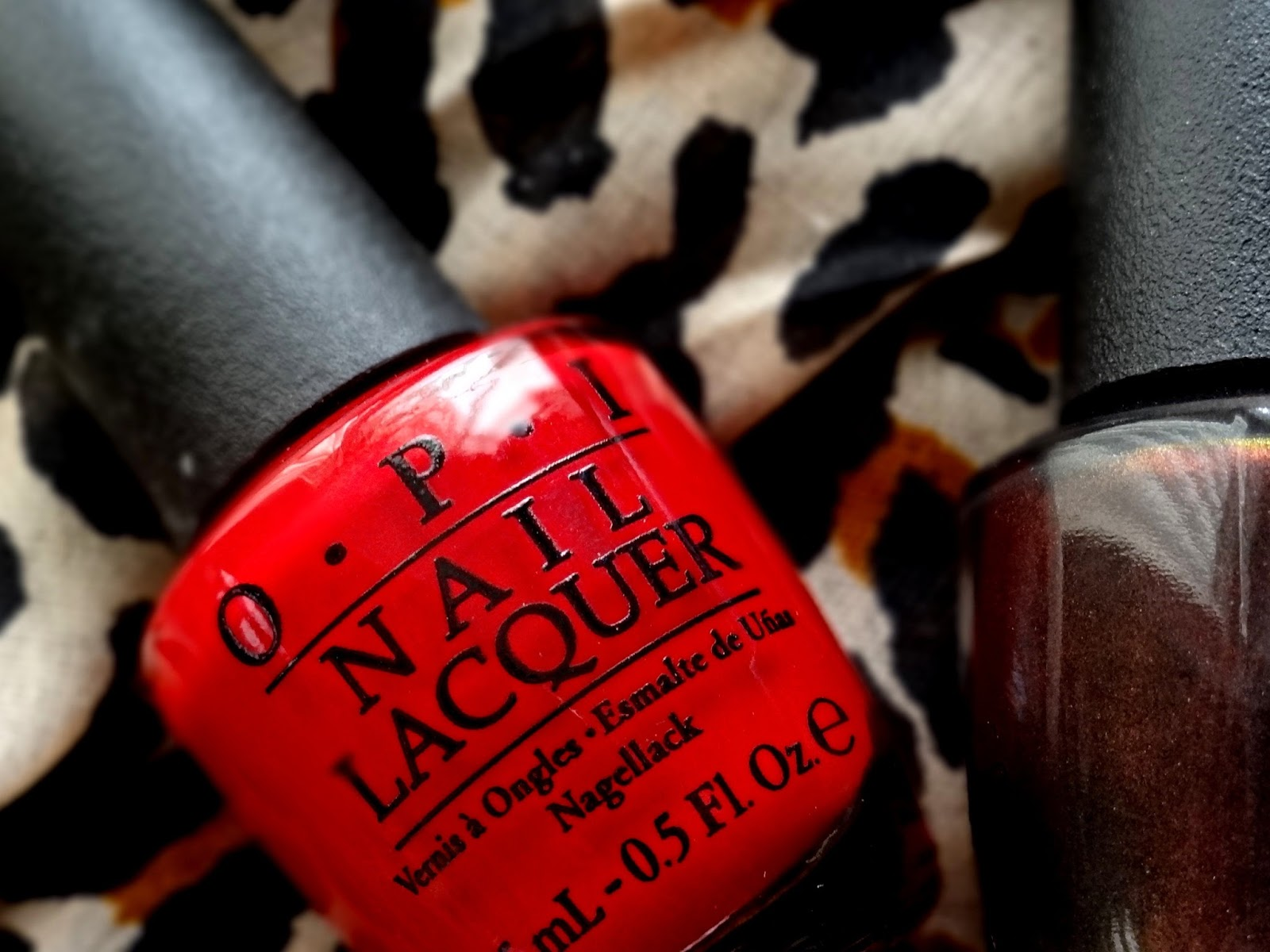 OPI Wrapped Wild For The Holidays - Muir Muir On The Wall, Big Apple Red | OPI Holiday 2014 Limited Edition