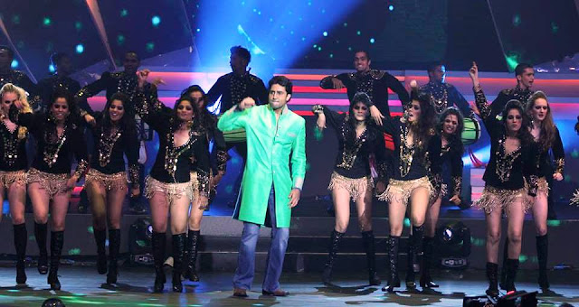 IIFA Awards Abhishek Bachchan's Performance 2013