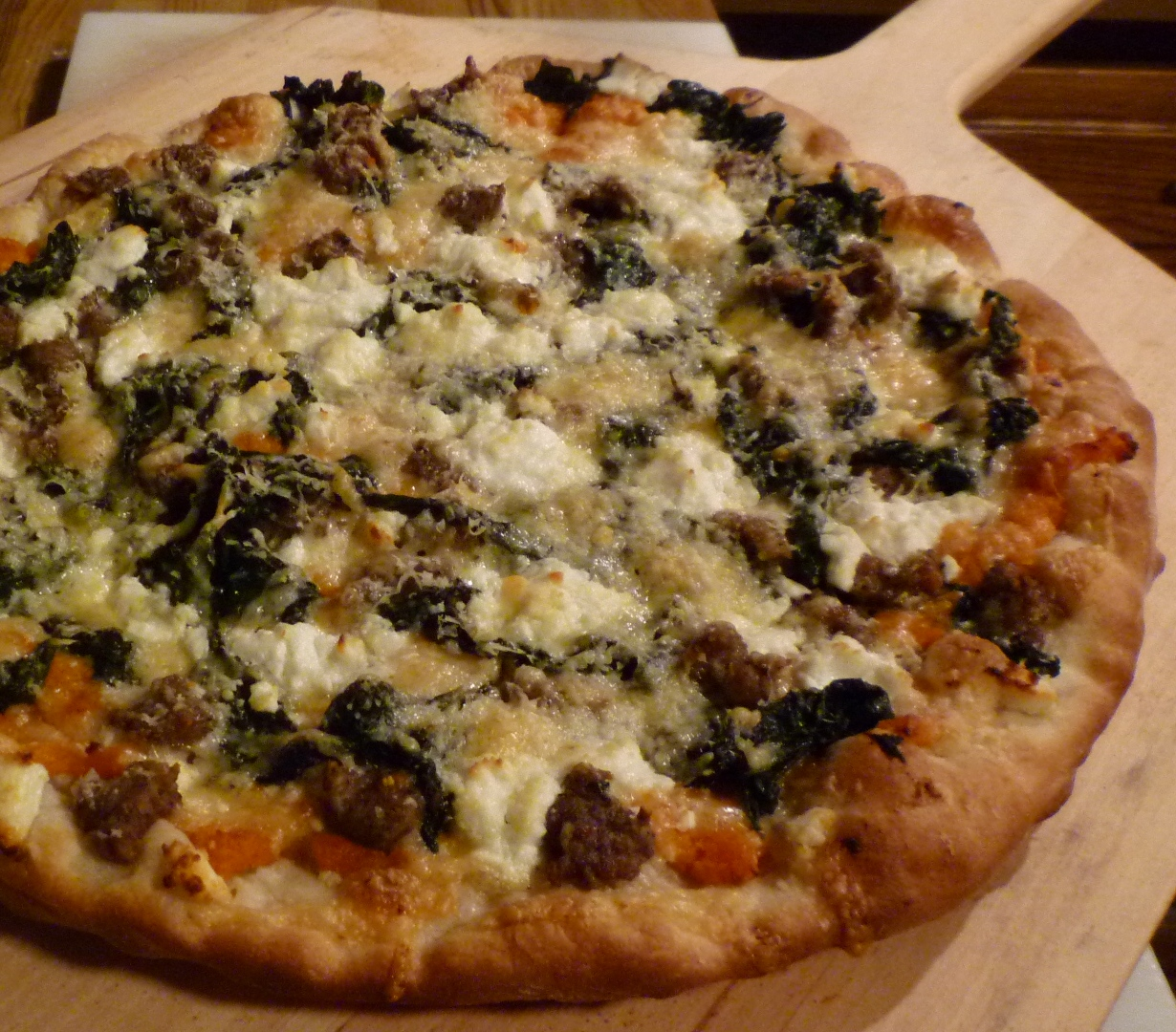 Watch Chanterelle Mushroom and Kale Pizza video