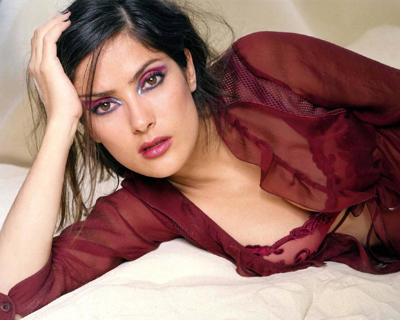 http://3.bp.blogspot.com/-8IvuUNinahI/T2YuWRKpdRI/AAAAAAAAAvQ/vc9CXIawm24/s1600/Salma-Hayek-salma-hayek-248856_1280_1024A2Z%2Bwallpaper.jpg