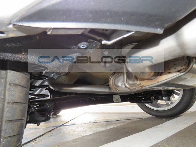 VW Golf 1.6 MSI Flex Automático - suspensão traseira