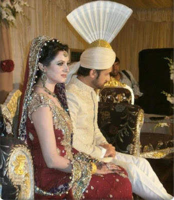 http://www.rubiascollection.com/2013/04/wedding-pix-of-atif-aslam-and-sara.html