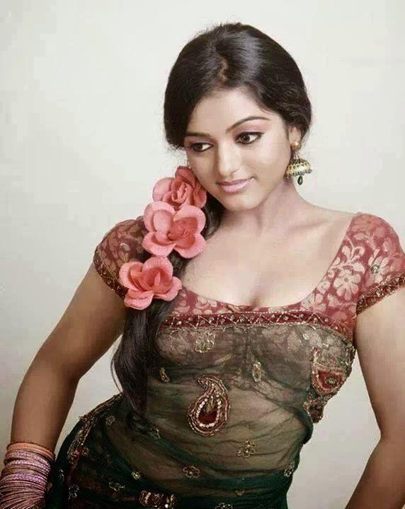 Asianet Anchor Meera Anil Hot Photo Shoot