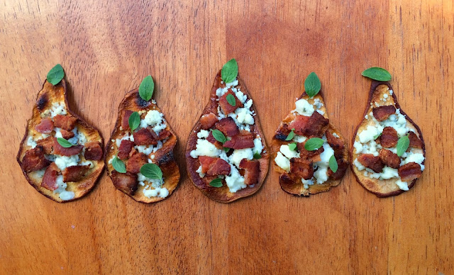 Pear Chips with Blue Cheese and Bacon - Great Holiday Appetizer   www.jacolynmurphy.com