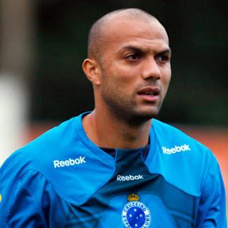 Fábio Santos Cruzeiro