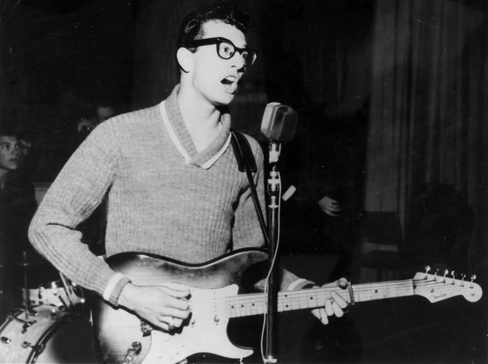 plane fire liverpool with Buddy Holly 75th Birthday Celebrations on 10 Funny Memes To Make You Smile furthermore Cool Backgrounds For Desktop furthermore Buddy Holly 75th Birthday Celebrations moreover Battle Of Britain Devastation In Coventry further Jewel Husband Ty Murray T n 5554625.