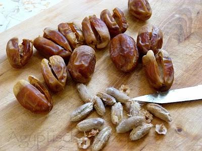 Datteln entkernen - Schoko-Datteln mit Mandeln Ägypten