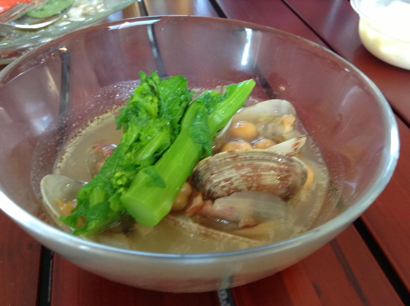 阿佐ヶ谷・高円寺(杉並区)に出張シェフ:スープ:アサリと菜の花、ひよこ豆のスープ
