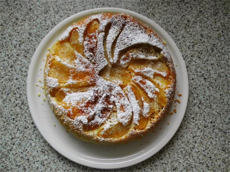 Apfelkuchen, fertig gebacken