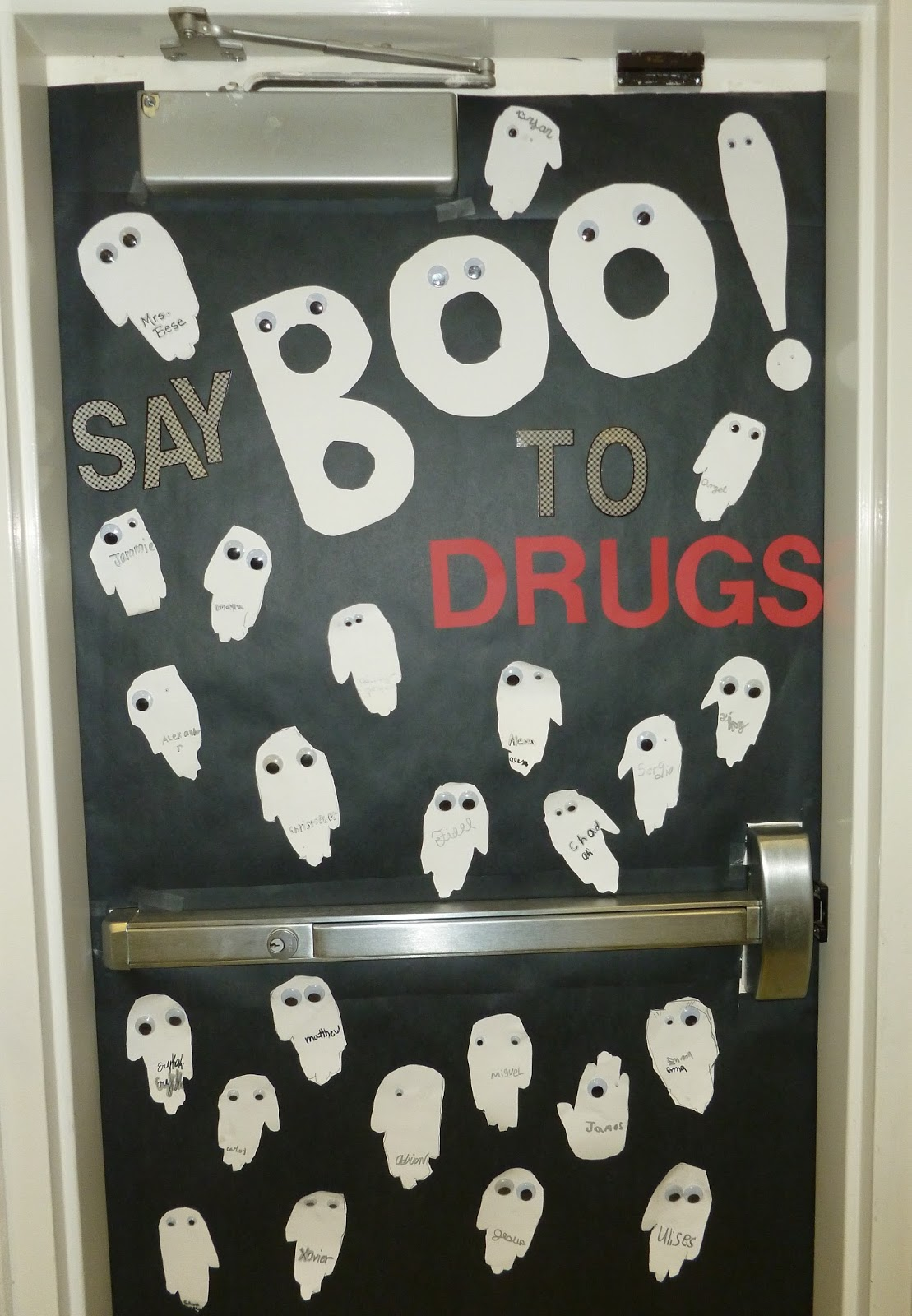 Say Boo to Drugs door - Red Ribbon Week - Light Bulbs and Laughter