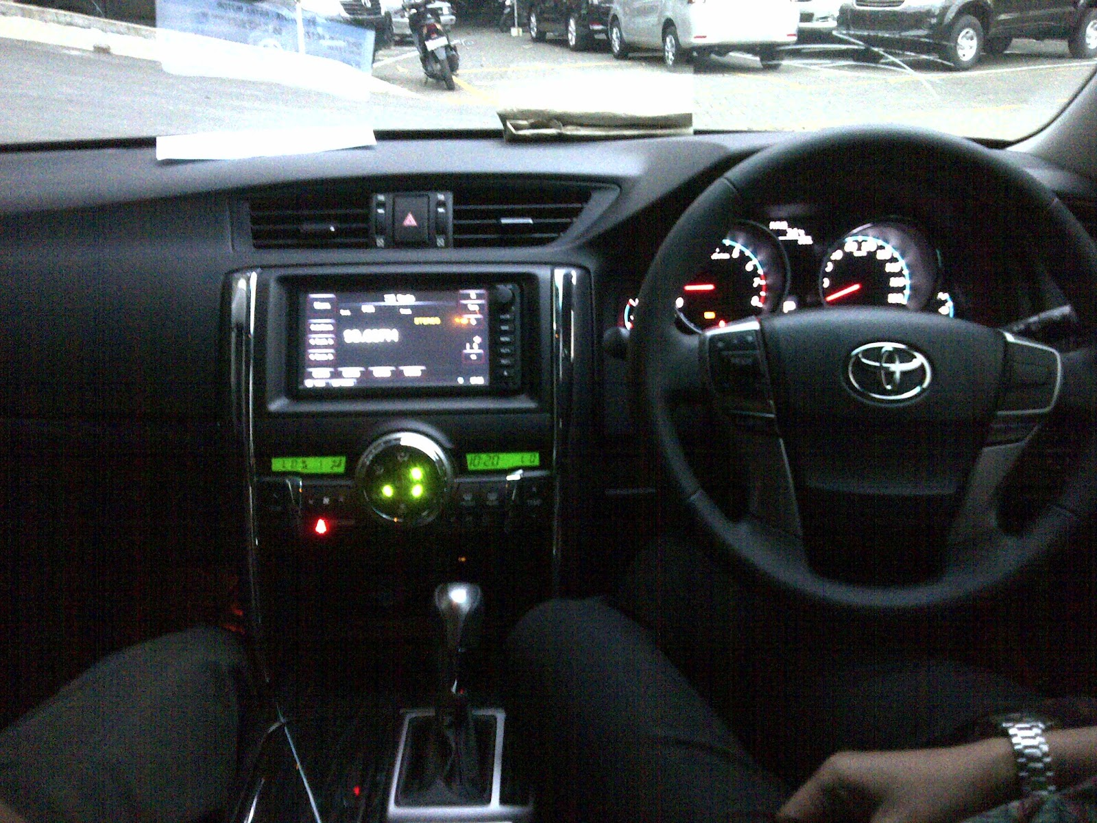 Velg Variasi Toyota Rush | Autos Post