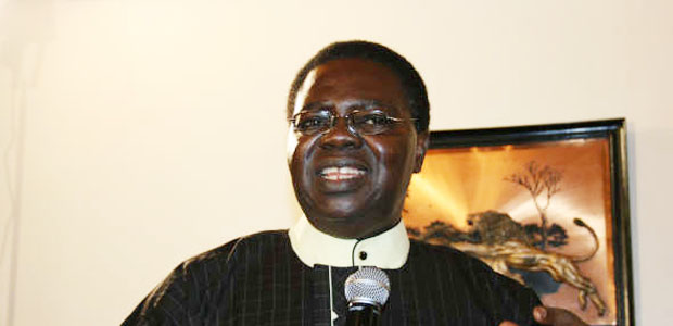Ebenezer Obey drums up supports for President  Buhari