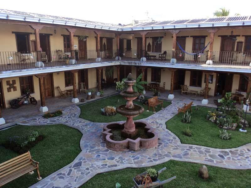 hotel-estilo-colonial-de-la-ciudad-de-danli