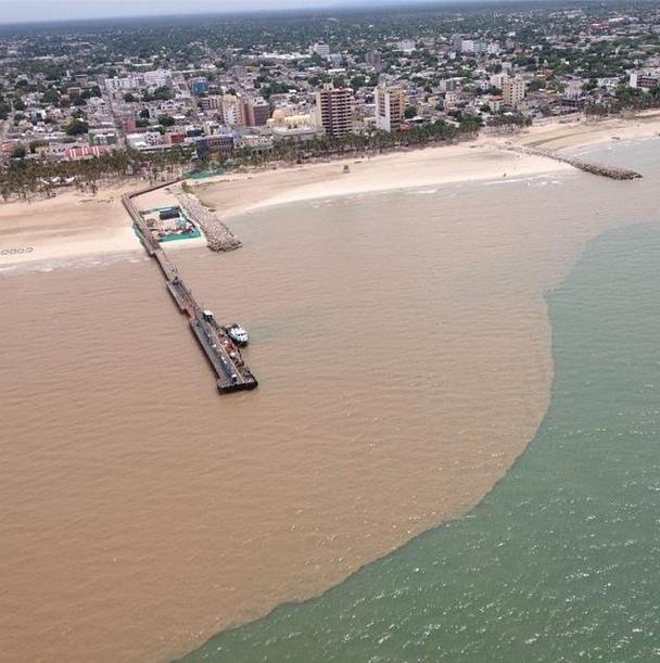Riohacha puerto de aguas bicolores.