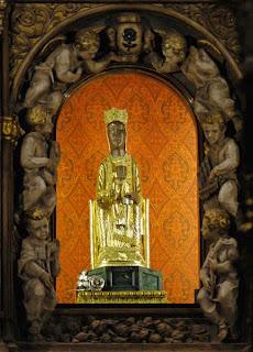 La Imagen de Nuestra Señora en el Santuario de Torreciudad (Somontano, Huesca, Aragón, España)