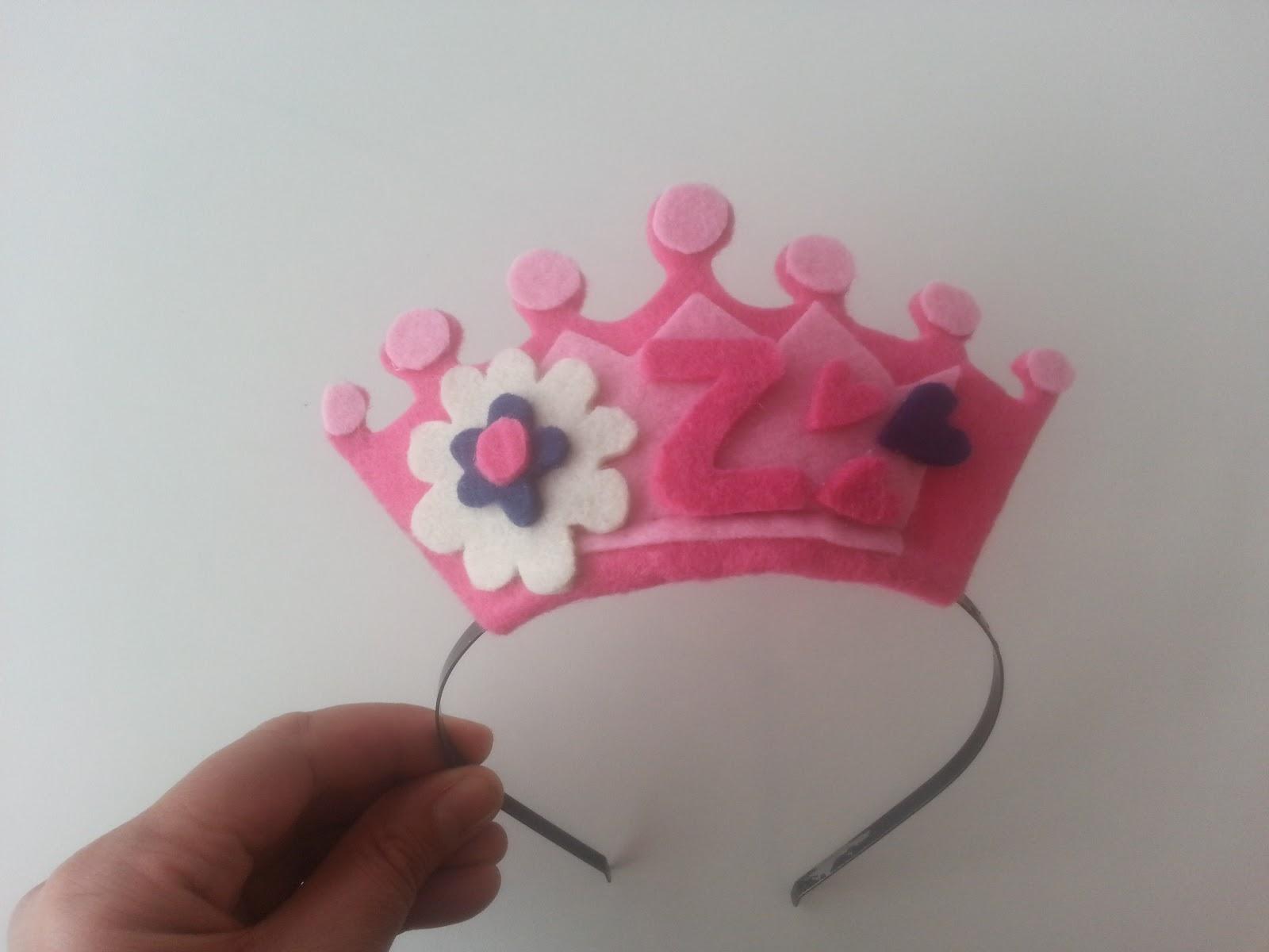 Keçeden Prenses Tacı Yapımı Resimli Anlatım