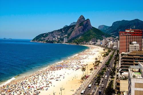 "<img src=""http://3.bp.blogspot.com/-8L_HT993ivY/VDP79W1E7eI/AAAAAAAAA7o/XF-zChFeSr8/s1600/ipanema.jpg"" alt=""Top 10 Best Beaches in the World that are Very Beautiful"" />"