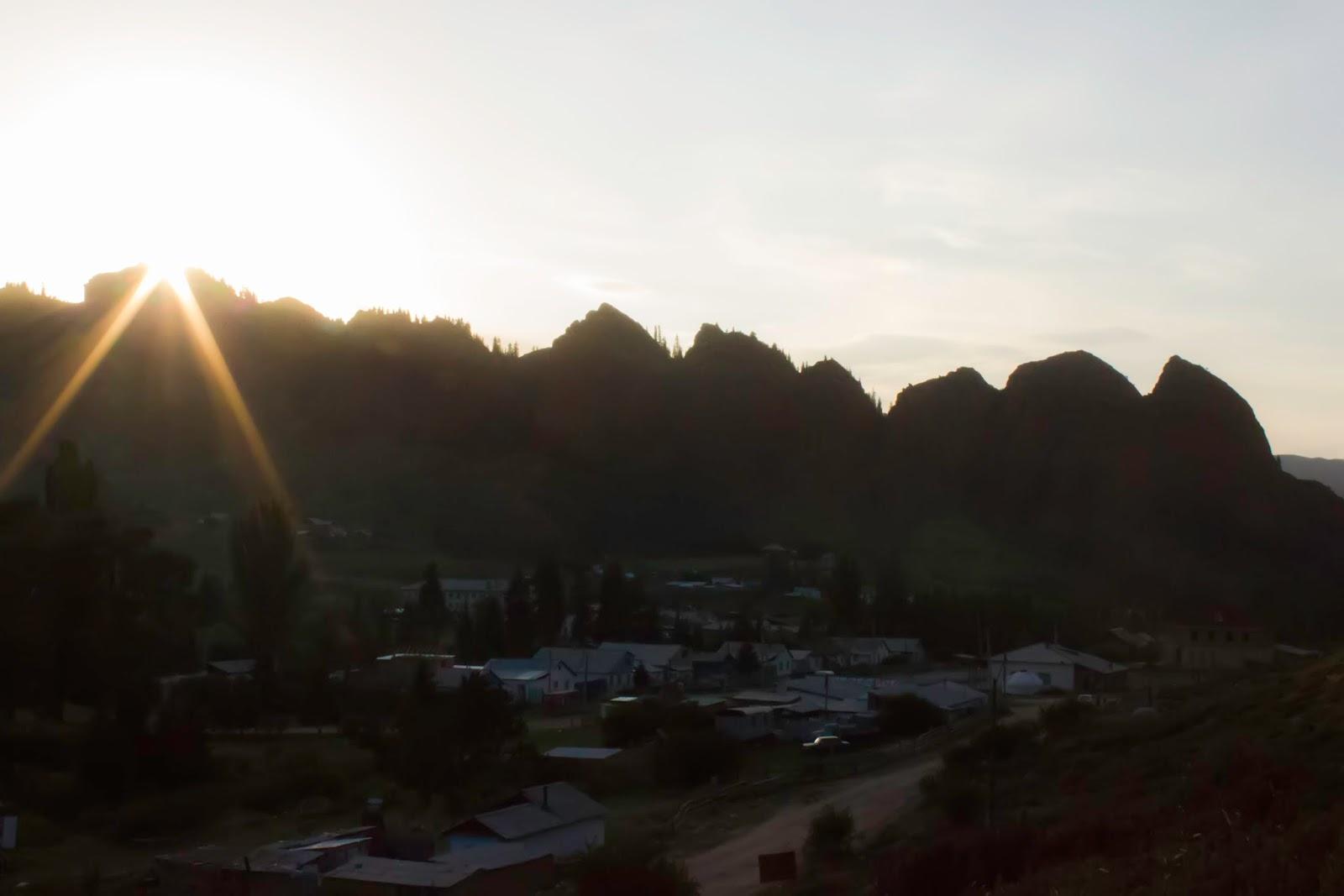 Кыргызстан, Джеты-Огуз, Иссык-Куль, юрты