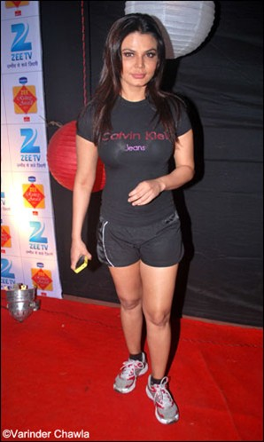  - Bollywood Heroines wearing Shorts
