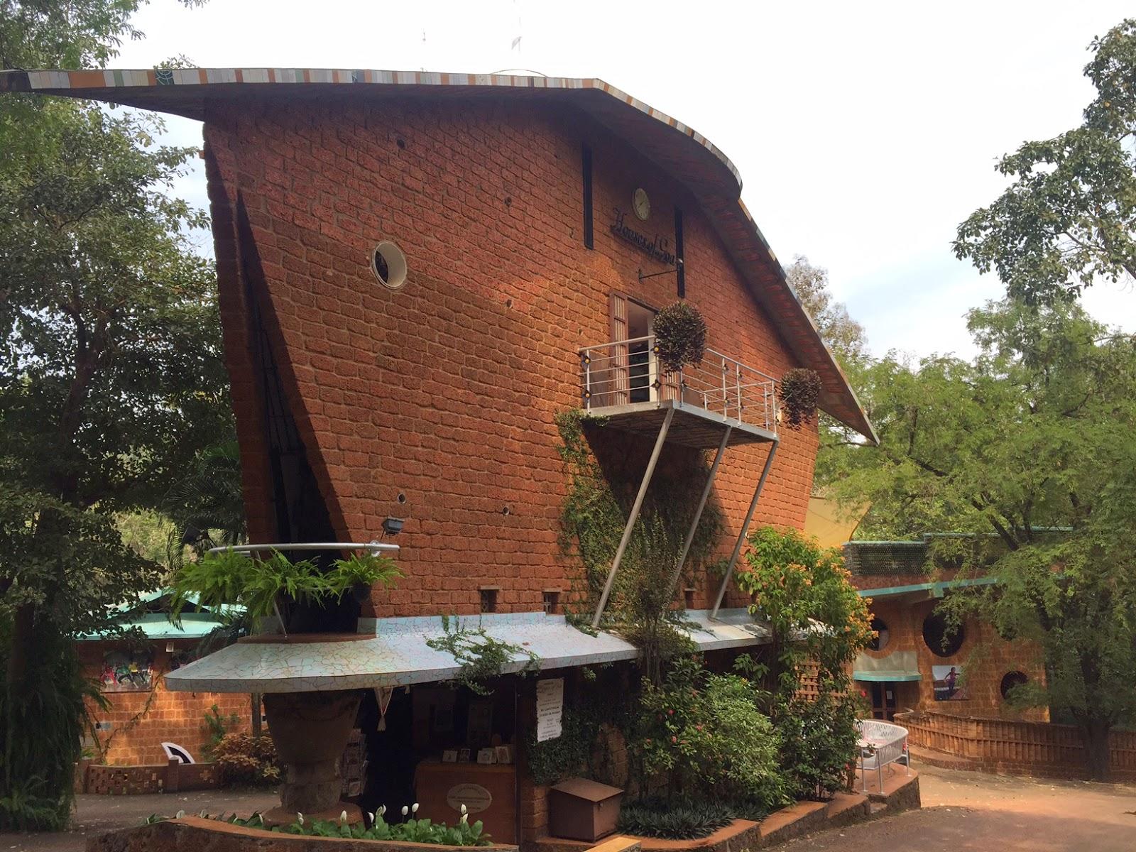 Goa travel blog goa beyond the beaches for Architecture design for home in goa