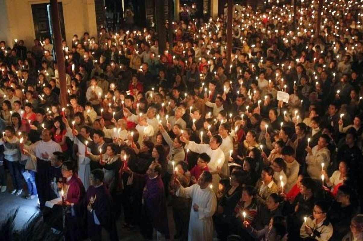 Católicos na capital Hanoi