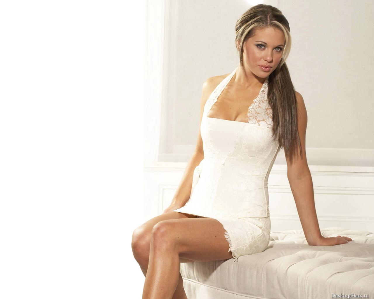 http://3.bp.blogspot.com/-8M1KxZaKnh4/T3qEtzy0gOI/AAAAAAAAD7w/JFEAidrobzc/s1600/Bianca_Gascoigne_6.jpg