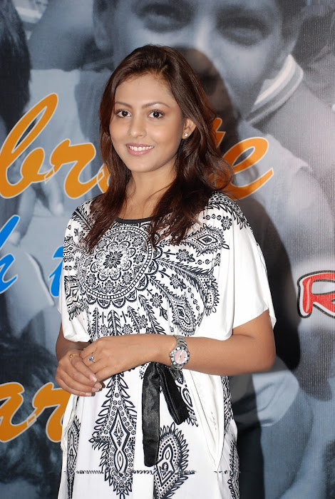 madhu shalini photo gallery