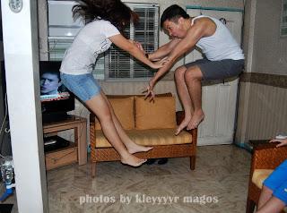 Wag mo kong ITULAK... mahuhulog akooo!! on Year-ender... Jump Shots by KLEYYYYR
