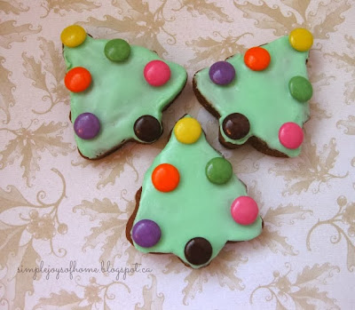 holiday gingerbread tree cookies