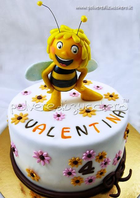 torta in pasta di zucchero: ape maia 3d