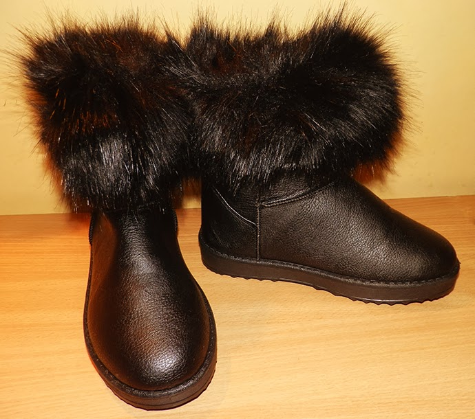 Ugg inspired flat fluffy boots in black