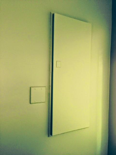 affiche en t te les panneaux lectriques. Black Bedroom Furniture Sets. Home Design Ideas