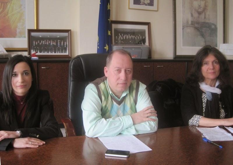Με στόχο τη βελτίωση των παρεχόμενων υπηρεσιών προς τους πολίτες, ο νέος θεσμός  του Συμπαραστάτη της Περιφέρειας Δυτικής Μακεδονίας. Ενημερωτική συνάντηση έγινε στην Π.Ε. Καστοριάς
