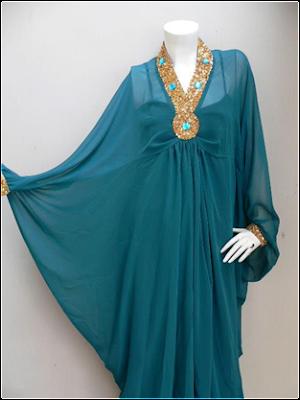 Demikian Informasi tentang Model Baju Muslim Gamis Syahrini 2012