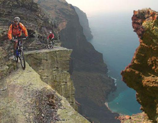 es una de las variedades de ciclismo extremo ya que se corre muchos ...