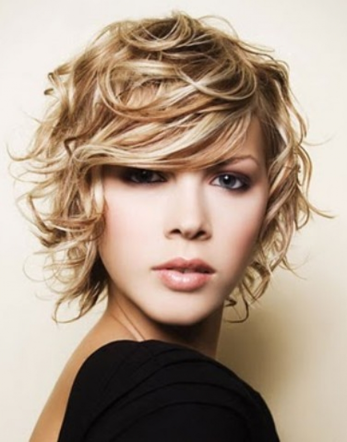 SHORT MESSY HAIRSTYLES: PROVIDE FUN AND STYLE | hairstyles 2013