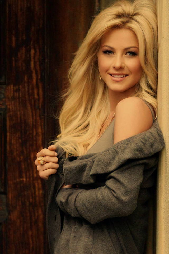 Julianne Hough sexy iPhone wallpapers. Posted by iPhone Wallpapers at 6:27 ...