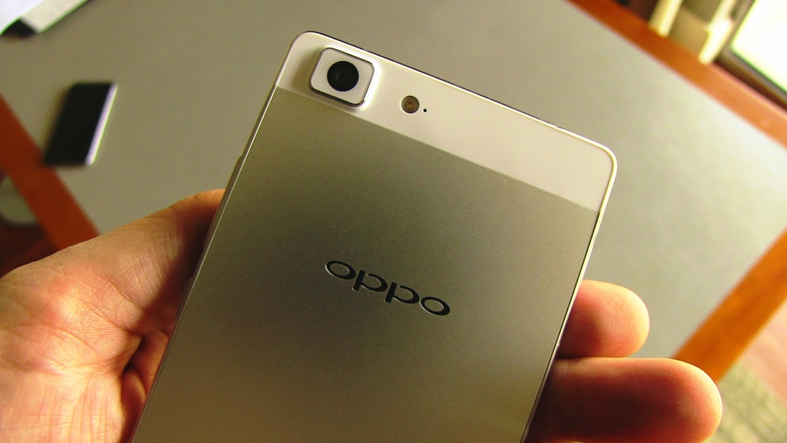 Spesifik dan Harga OPPO R5