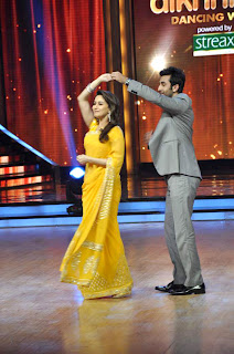 Ileana, Priyanka & Ranbir on the sets of 'Jhalak Dikhhla Jaa' for promotion