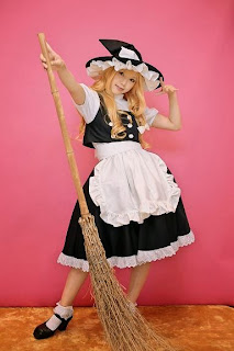 Kipi cosplay as Marisa Kirisame from Touhou Project