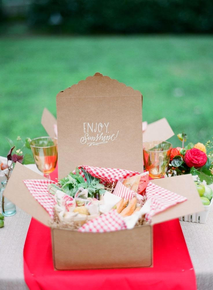 12 Party Ways To Use Calligraphy; picnic box