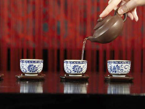 tea culture in china essay In tang dynasty, the chinese tea and tea culture was spread to eastern countries, especially japan though tea originated in china, but it was carried forward in japan nowadays, tea has become a famous drink in the world.