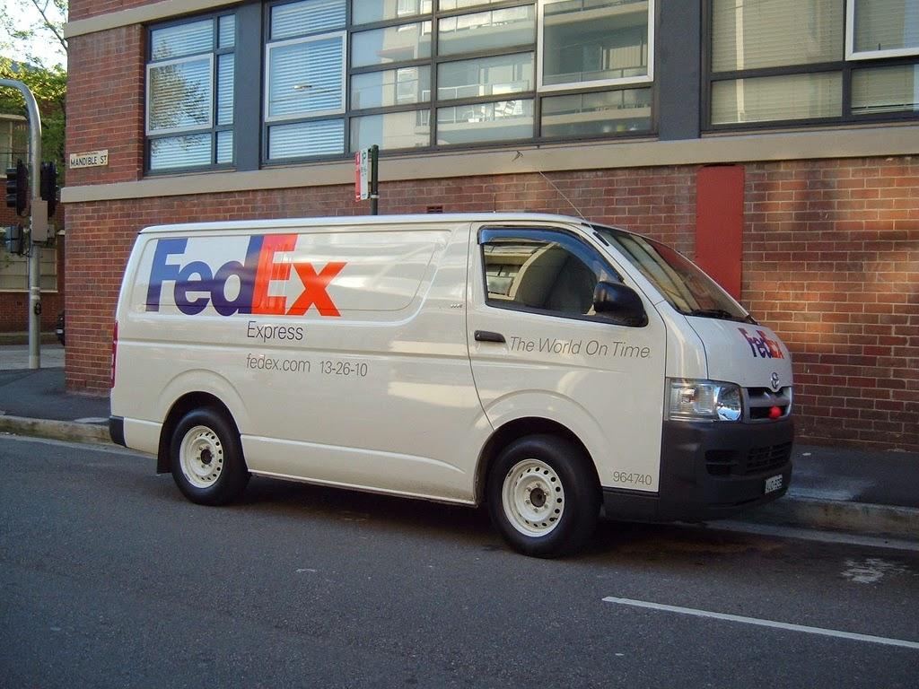 2006 Toyota Hiace FedEx Cargo Van Replace Burrito