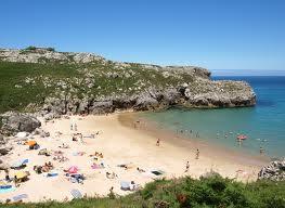Turismo Playas hermosas de Llanes en España