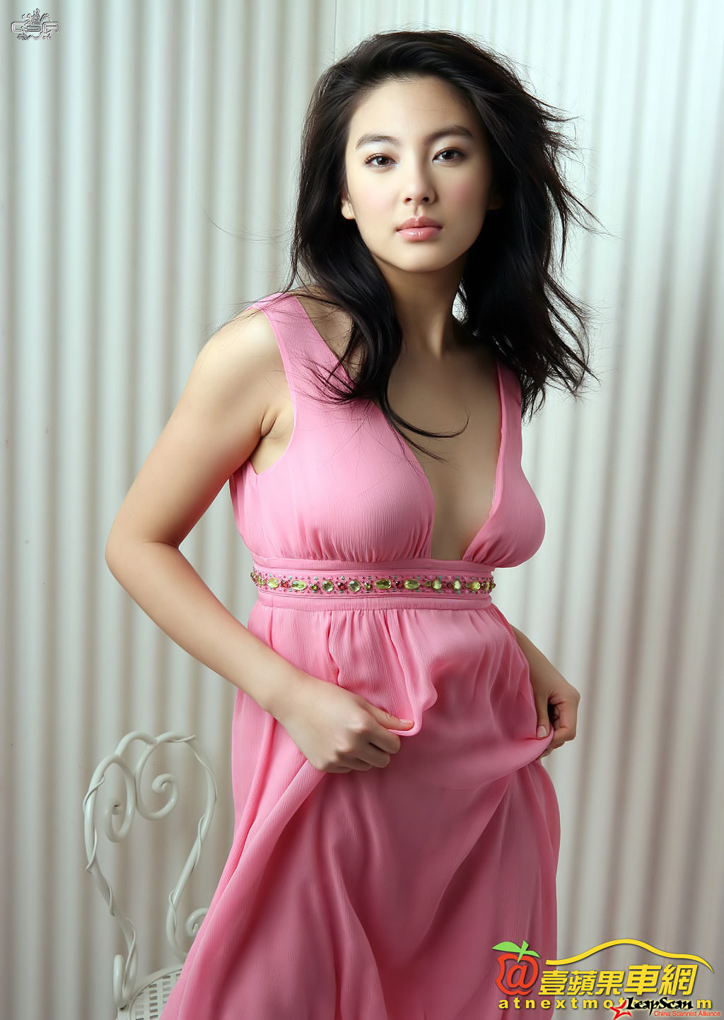 stunning kitty zhang yuqi photo 01